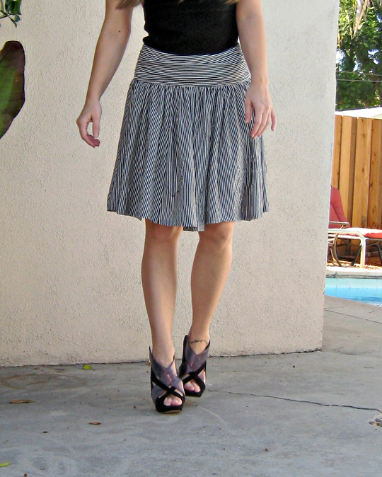 unflattering jersey skirt DIY-cropped