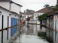 (Elisa Rodrigues Photography) Tags: praia riodejaneiro paraty barco rj igreja histria f mar cais centrohistrico inundao embarcao escravos escravido