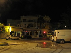 At the bus station at 5:30 in a very quiet town. (Ia Lfquist) Tags: street morning kreta greece crete gata busstation morgon grekland ierapetra