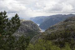 Preikestolen - Stavanger - Norway (wietsej) Tags: preikestolen stavanger norway landscape mountain sony a100 tamronspaf1750mmf28xrdiiildaspif 1750 tamron