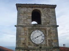 Plaza del Reloj /Plaza'l rel (hotelpugide) Tags: asturias lastres hotelrural doctormateo sanmartindelsella bardetom hotelpugide llanesquehacerenvisitar