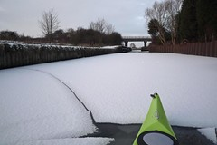 crack (Barnaby Nutt) Tags: sunset snow ice kayak leicestershire trent nottinghamshire soar kayaing loweproukphotocompetition
