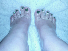 Green and shiny (submissive feet) Tags: sexy feet toes pretty