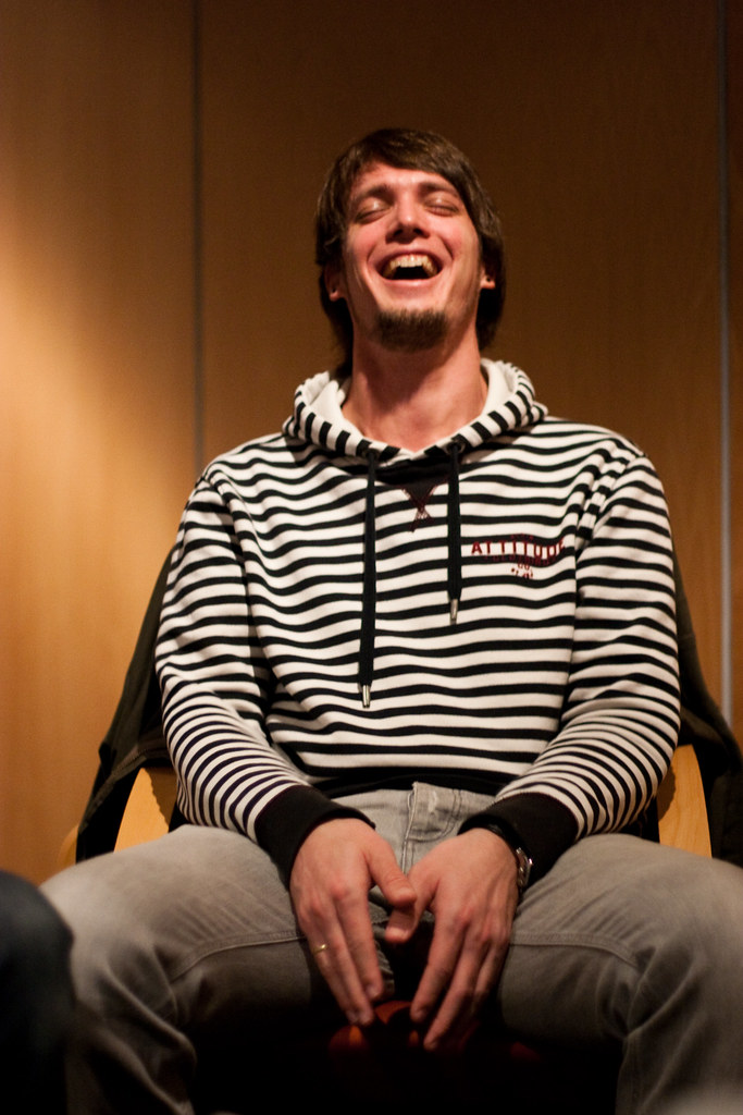 Thomas i en latterkule