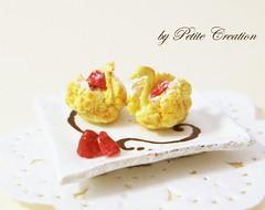 Swan Cream Puffs (1)- 1/12 Scale Dollhouse Miniature