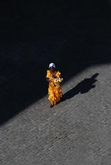 Senoritas - L'Havana - Cuba (Giuseppe Finocchiaro) Tags: woman yellow donna nikon havana cuba giallo habana lahabana senoritas lavana avana lhavana