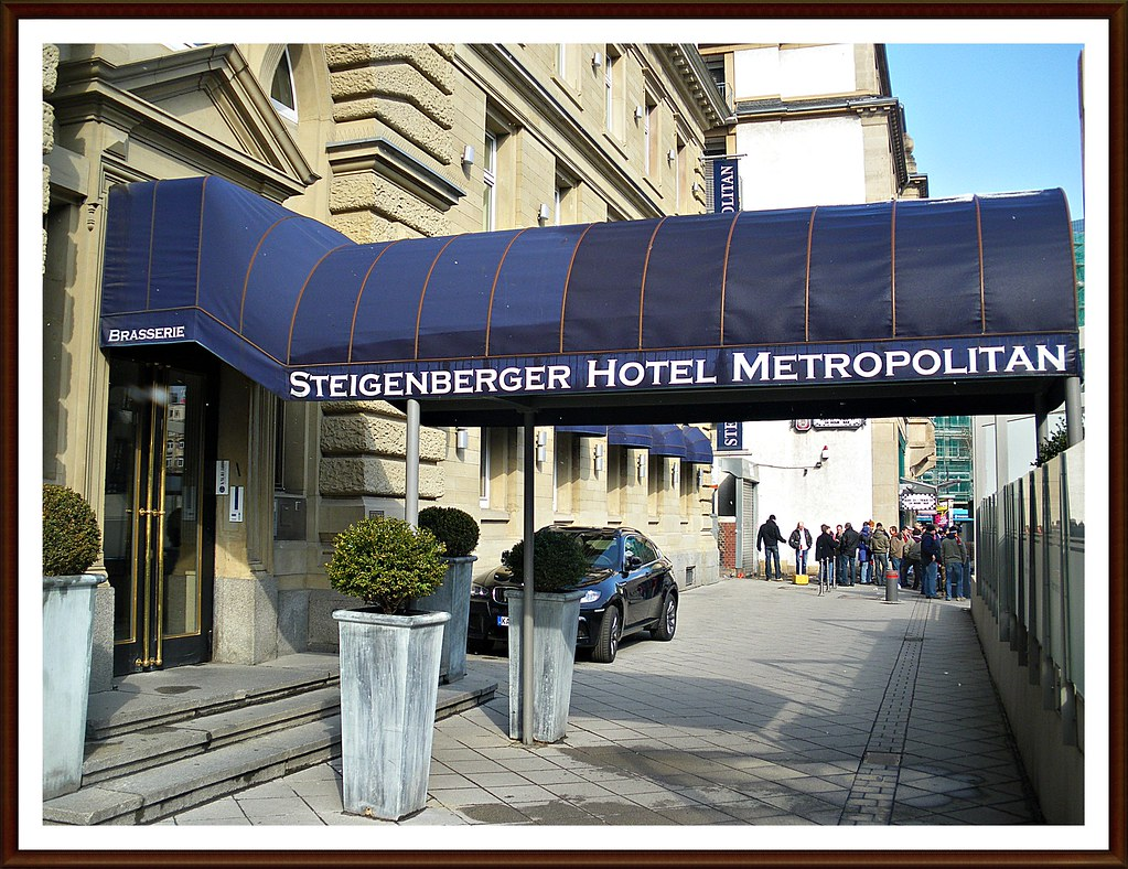 The legendary Steigenberger Metropolitan Hotel Frankfurt/Main - in the heart of the financial city - beside the main train-station - grand, discreet, elegant, design, signature...03/2010...enjoy the j