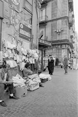 Napoli (NA), 1970, Mercatino di Via Foria. (Fiore S. Barbato) Tags: italy radio campania via napoli piazza mercato antiquariato antiche bancarella mercatino cavour bancarelle foria