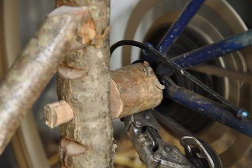 Pie de avellano, para levantar la parte trasera de la bici del suelo, para que pueda girar libremente