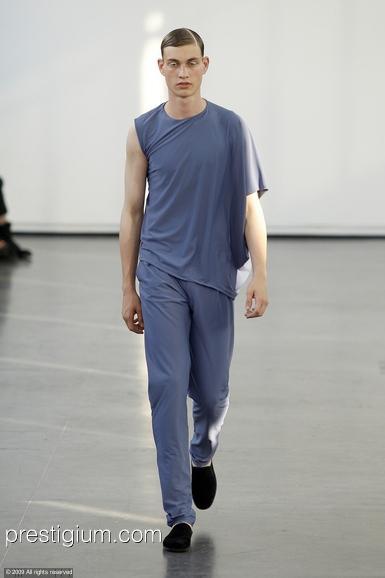 Johannes Linder3061_SS10_Paris_Romain Kremer(prestigium.com)