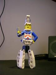Montgomery Octan (Naszfluckah) Tags: lego fig oct brain jar montgomery minifig cyborg nasz technig