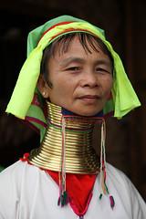 D20100323_2916 (bizzo_65) Tags: woman asia burma donne myanmar inle giraffe giraffa padaung birmania