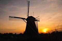 Silhouet (sillie_R) Tags: sunset mill windmill landscape silhouet worldland