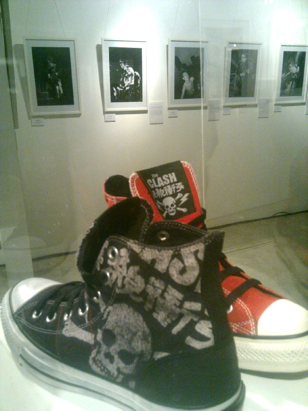 Converse the clash sneakers