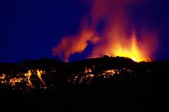 Lava fountain (fredrikholm.se) Tags: island volcano lava iceland islandia eruption sland magma vulcano vulkan eldfjall volcn islanda fimmvruhls eyjafjallajkull firefountain eyjafjallajokull erupcin fimmvorduhals eldgos vulkanutbrott