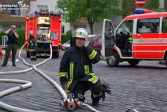 Gebäudebrand Auringen 01.05.10 (Wiesbaden112.de) Tags: wiesbaden brand feuer feuerwehr ff bf fachwerk drehleiter fachwerkhaus feueralarm auringen gebäudebrand löschangriff dachstuhlbrand altauringen fachwerkhausbrand dachzeigel