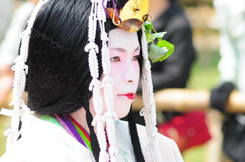 斎王代女人列御禊 この人が今年の斎王代だ斎王というとお寺につかえる偉い人だが、葵祭に参加...