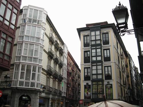 Edificios en la lluvia - Casco Viejo de Bilbao - España