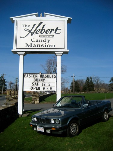Hebert Candy Mansion Sign