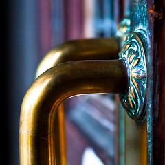 (Kriss on flickr) Tags: door wood old 6x6 gold golden nikon graphic or porte bois poigne 1755 d300 dore satur