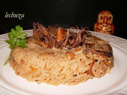 Chipirones con arroz-emplatado,