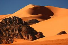 Curvalicious (hapulcu) Tags: sahara algeria algerie argelia dz tadrart djanet illizi