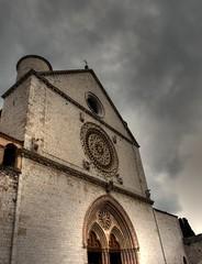 Un contenitore di pace (mimio's) Tags: san basilica olympus pace hdr assisi francesco contenitore e520