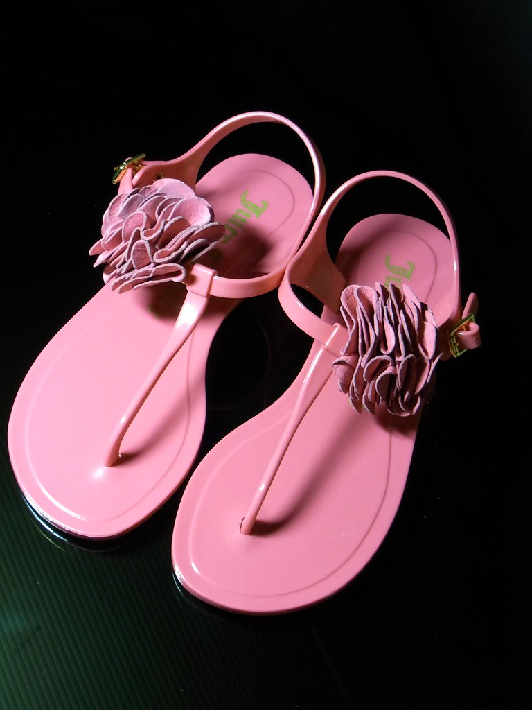 juicy couture pink sandal visa go