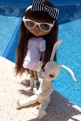Leia (MiniL) & Dita (Pool Party)