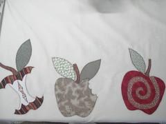 Delícias... (Patchwork Sonia Ascari) Tags: flores bird apple café feira toalha bolsa cozinha molde maça tubarao passaros riscos patchcolagem feagro braçodonortepatchwork