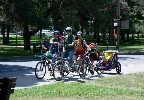 Explorando en bicicleta Riverdale en Toronto