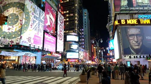 Times Square.<br /> ***<br /> New York, april 2010. Överraskningsresa (!) i samband med min 40-årsdag. Tack!&#8221; title=&#8221;2010-04-01_P1020111&#8243;  /><br /><em>Times Square, klicka på bilden för att se fler bilder från den fantastiska resa jag överraskades med inför min 40-årsdag.<br /> Tusen tusen tack framför allt Vaike, men också många fler. Ni vet vilka ni är!</em></p> </div><!-- .entry-content -->   </article><!-- #post-## -->  </main><!-- #main --> </div><!-- #primary -->  <aside id=