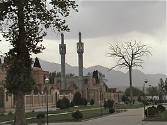 Aramgah-e Shah Ne'matollah Vali, A Sufi Dervish Mausoleum in Mahan, Iran (2004) (Gustavo Thomas) Tags: iran persia mausoleum sufism mausoleo irán mahan sufismo sufidervish aramgahe shahnematollahvali shāhnimatullāhiwalī sufiderviche شاهنعمتاللهِولی