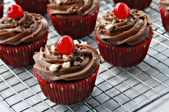 Cherry Chocolate Malt Cupcakes 550