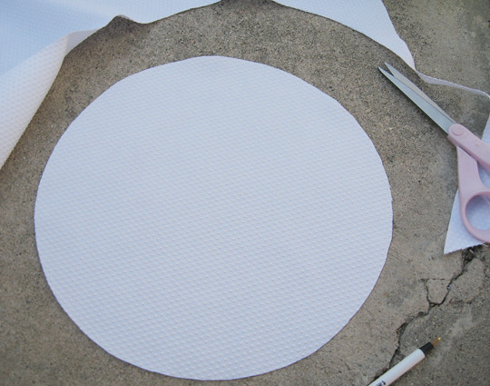 making placemats+tracing circle+coasters+footie pajama material+baby shower ideas-2