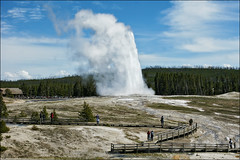 old faithful yellowstone national park (Dan Anderson.) Tags: nature wonder outdoors nationalpark scenery natural symbol oldfaithful scenic icon american yellowstonenationalpark yellowstone wyoming geyser iconic geothermal eruption nationaltreasure yellowstonepark uppergeyserbasin geyserbasin geothermalfeatures