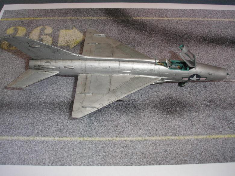 Shenyang JJ-5 Armée de l'air Nord Vietnamienne (Hobby Boss 1/48) - Page 3 4717428086_6189a98b15_o