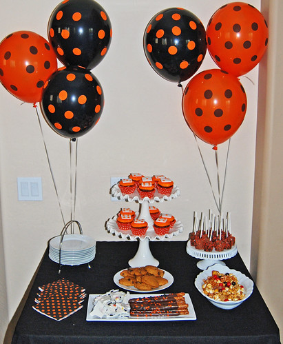 Halloween Bunco Sweets Table