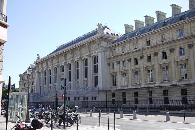 Palais de Justice 司法大廈