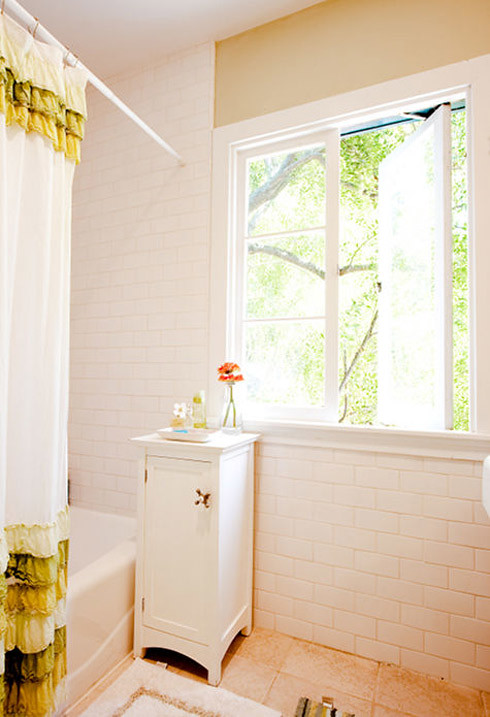 Bathroom via Design*Sponge