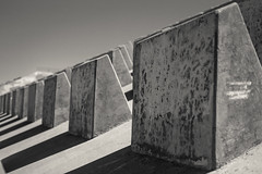 (el zopilote) Tags: albuquerque newmexico johnbrobertdam arroyodelososos street architecture cityscape eos 1dsmarkiii canonef50mmf14usm fullframe bw bn nb blancoynegro blackwhite noiretblanc digitalbw bndigital schwarzweiss monochrome