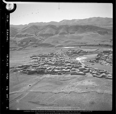 No ref (13997 of 'Zakho' roll) Zakho (APAAME) Tags: blackwhite cellulosenegative oblique royalairforce scannedfromnegative siraurelstein uclinstituteofarchaeology uclinstituteofarchaeologyspecialcollections aerialarchaeology aerialphotography middleeast airphoto archaeology ancienthistory
