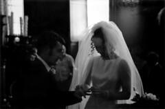 Linda + Samuele 2000 (dindolina) Tags: photo fotografia blackandwhite bw biancoenero monochrome monocromo wedding matrimonio marriage family famiglia roma rome italy italia campidoglio 2000s 2000