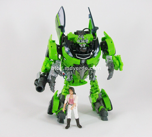 Transformers Skids RotF Human Alliance with Mikaela - modo robot