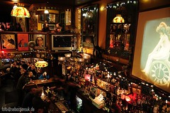 San Francisco - Vesuvio (sebastiansuk.de) Tags: sanfrancisco ca usa bar geotagged nikon sigma drinks northbeach historical cocktails amerika saloon d300 californien vereinigtestaaten kalifonien sebastiansukde