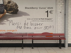 Dupleix (tofz4u) Tags: orange paris bench underground subway origami blackberry mtro homeless sdf 75015 banc ratp dupleix ligne6 sarkoland stationarienne openairstation