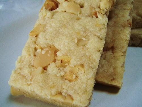 macadamia nut shortbread - 45