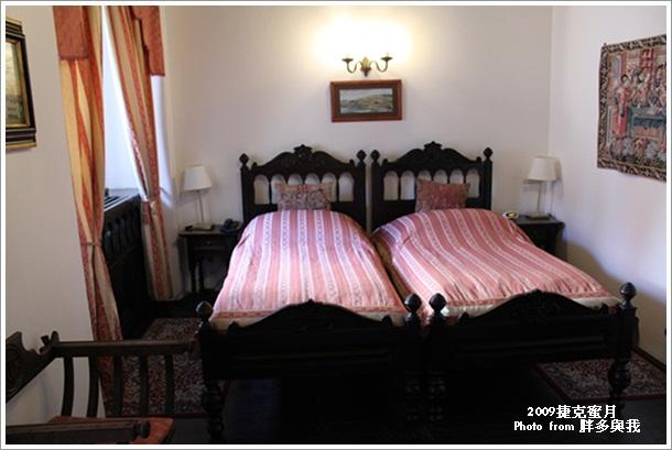 玫瑰飯店的復古床