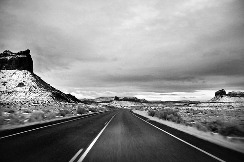 Driving out of CAnyonlands at dusk2 bw