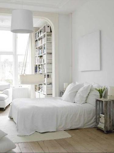 Interieur en Design tips op designidee.be | Maagdelijk witte slaapkamer